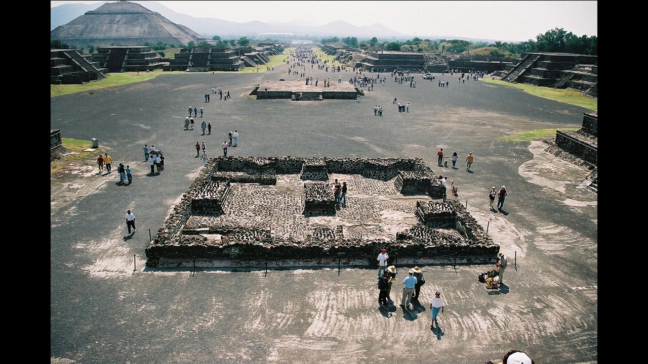 死者の道 (テオティワカン遺跡、メキシコ)