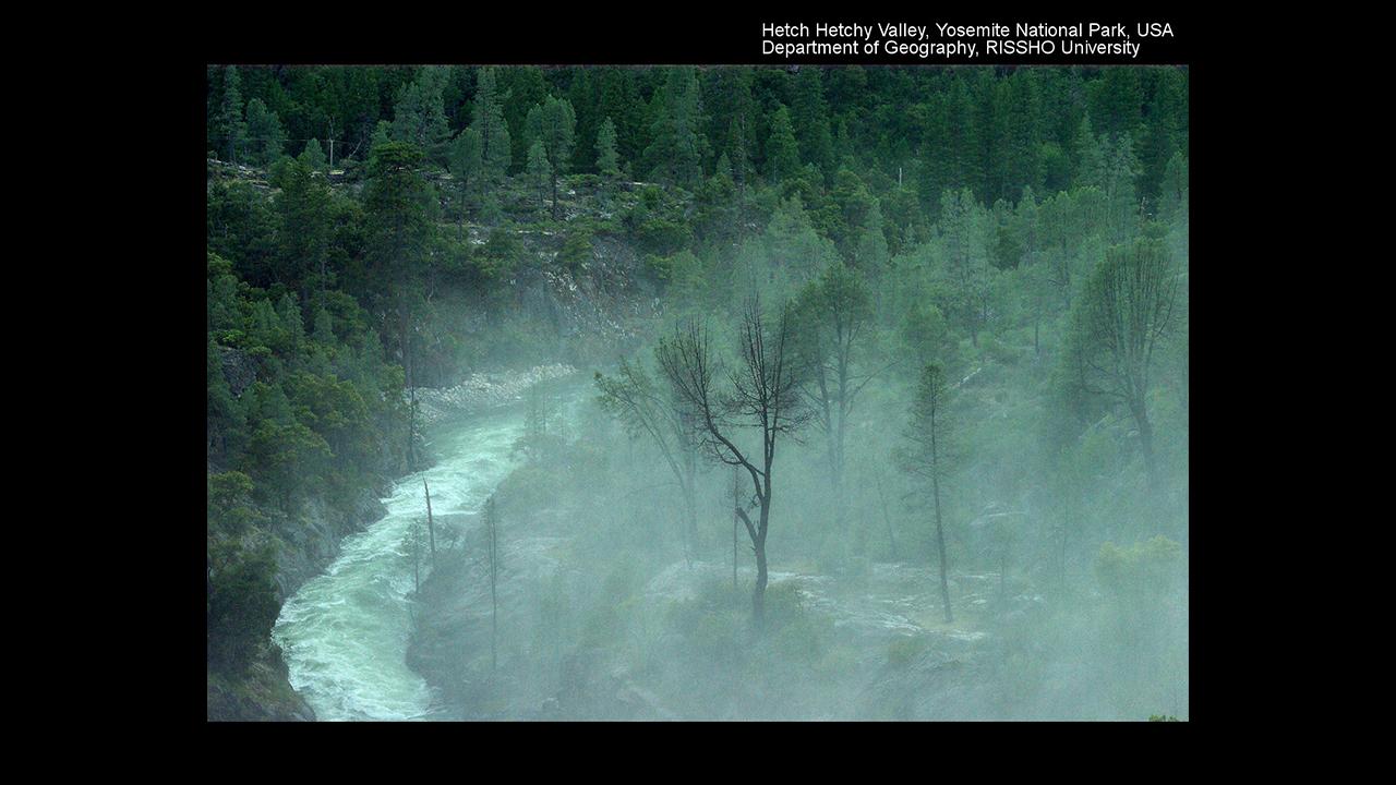 ダムに沈んだヘッチヘッチー渓谷 Hetch Hetchy Valley、 Yosemite National Park、 USA