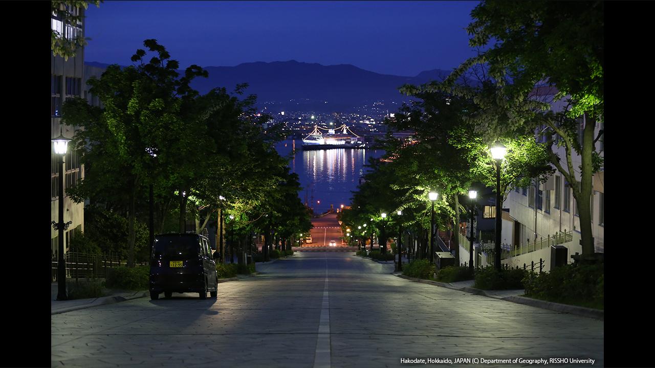 八幡坂の夜