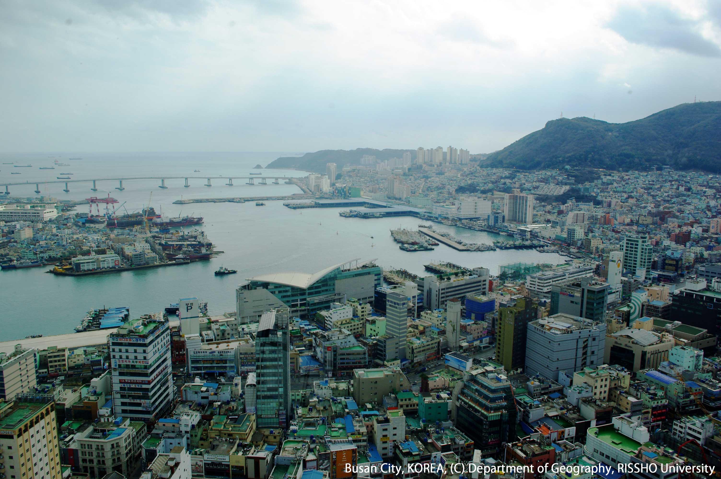 釜山タワーからの釜山市沿岸部の景観