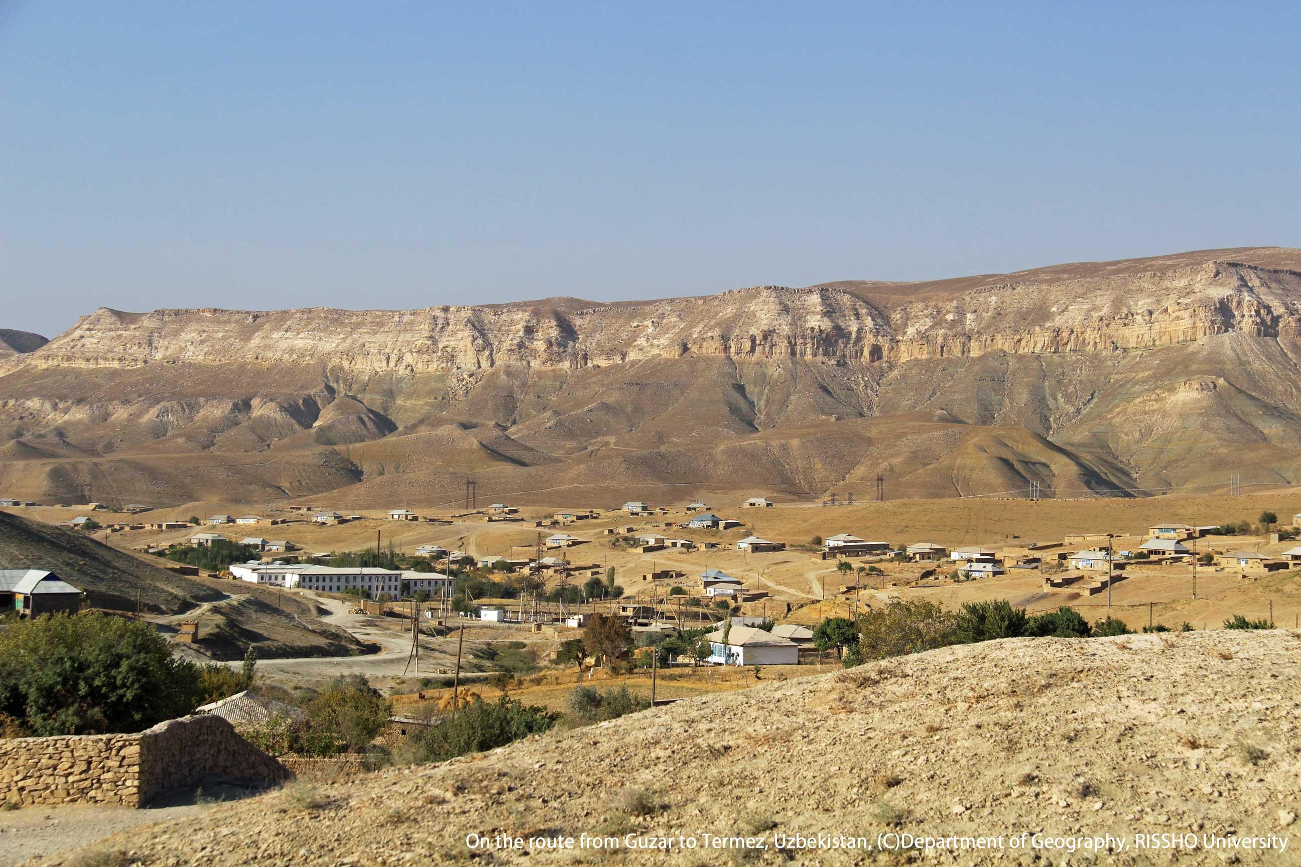 ウズベキスタン,玄奘三蔵も見た乾燥地域の山岳地帯の風景