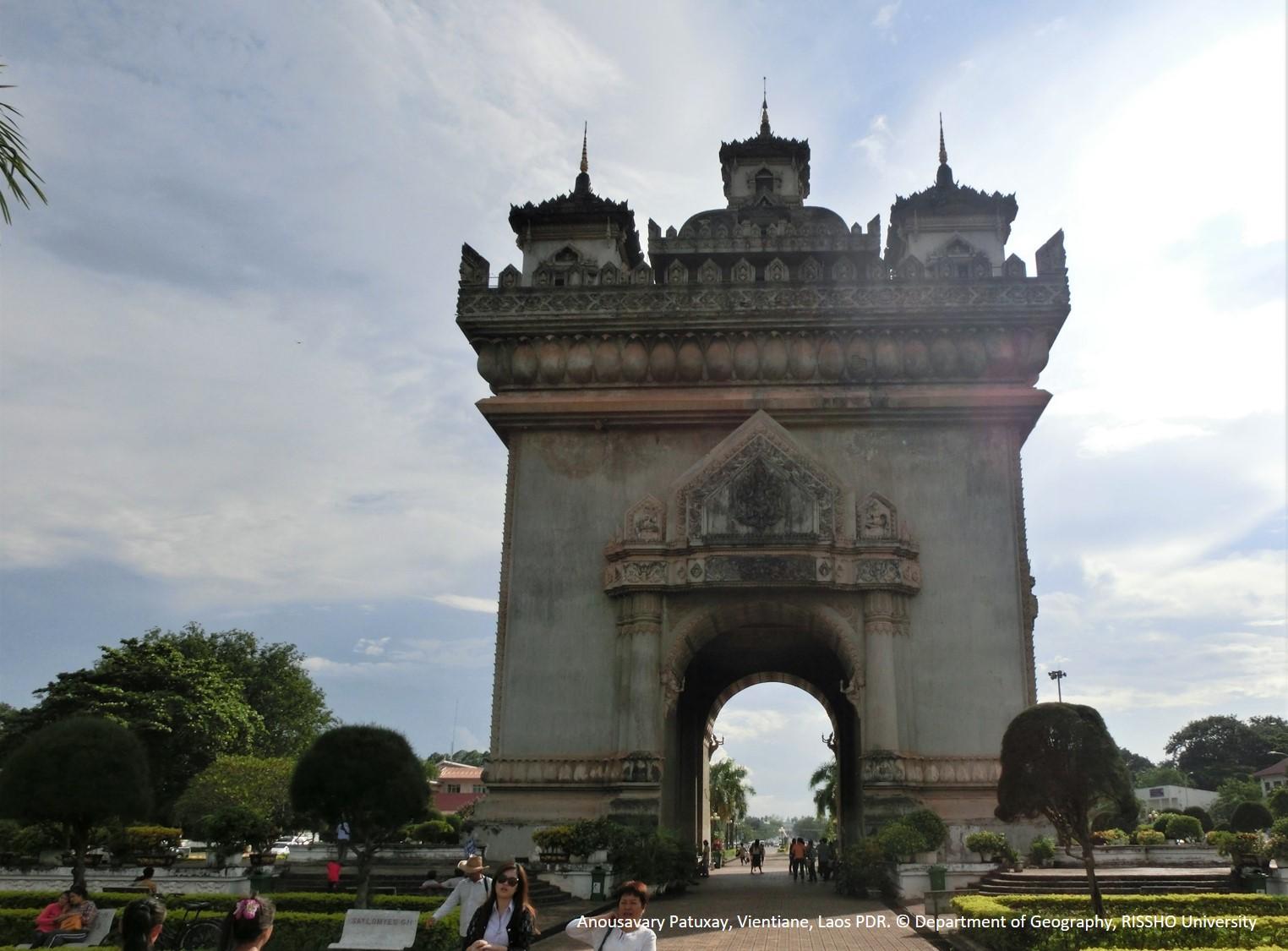 ラオスの凱旋門