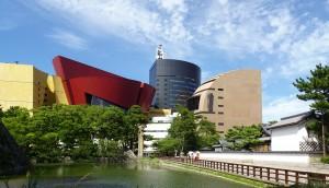 写真3_リバーウォーク北九州の建物群(小倉城址側)